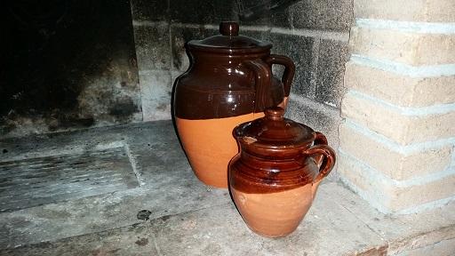 Pentole di terracotta italiano e genuino - Camino per cucinare ...